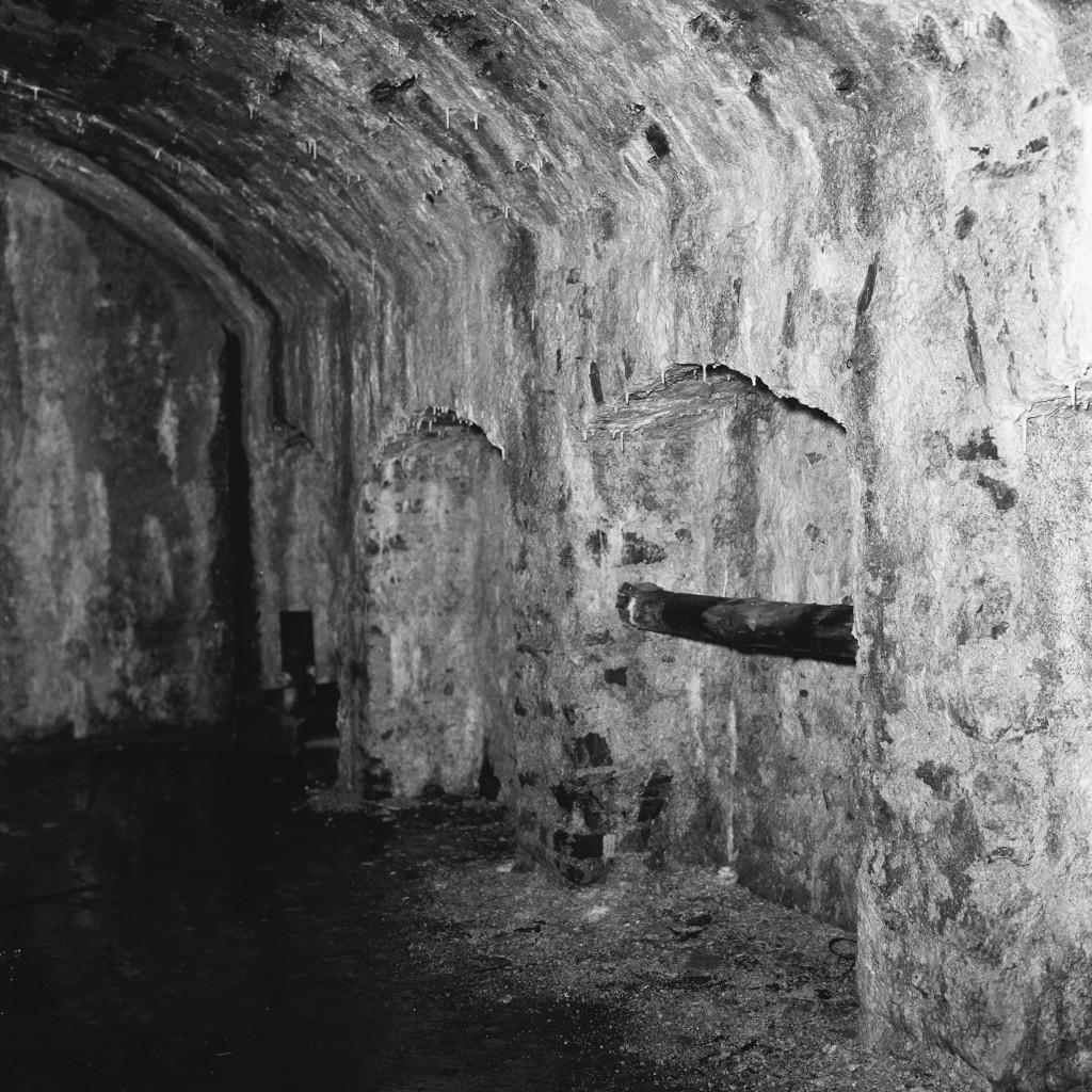 L'intérieur du tunnel, avant que les chauves-souris en fassent leur chez-soi. (Photo Paul Aschman 1961, © Photothèque Ville de Luxembourg)